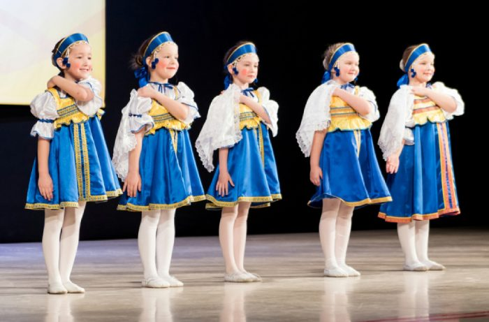 Танцы для детей, Реутов. Выступление с народным танцем